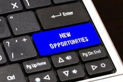 Concept d'affaires - nouveau bouton bleu d'occasions sur mince Illustration de Vecteur