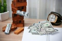 Concept d'affaires Planification des affaires par l'investisseur Investissement productif moderne avec des beaucoup argent Le pla Photo stock