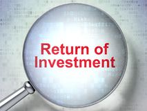 Concept d'affaires : Retour d'investissement avec le verre optique Photo stock