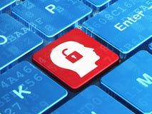 Concept d'affaires : Tête avec le cadenas sur l'ordinateur Images libres de droits