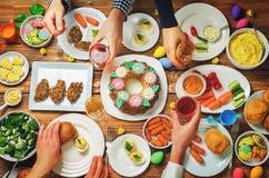 Concept d'ami de célébration de plat principal de Pâques de ressort Image libre de droits