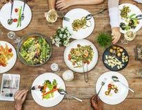 Concept d'amis de réunion de célébration de déjeuner Image stock