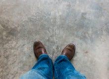 Concept d'amour avec les chaussures en cuir de Brown Images libres de droits
