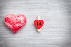 Concept d'amour Coeur sur le fond gris Photographie stock