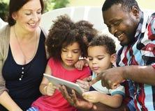 Concept d'amour d'unité de Parenting de relaxation de famille Images stock