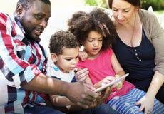 Concept d'amour d'unité de Parenting de relaxation de famille Image libre de droits