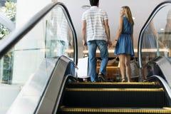 Concept d'amour de centres commerciaux de couples Images libres de droits