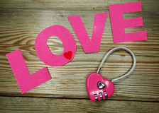 Concept d'amour de jour du ` s de valentine de serrure de forme de coeur Photos libres de droits