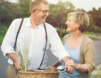 Concept d'amour de relaxation de datation d'unité de couples Images libres de droits
