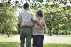 Concept d'amour de relaxation de datation de mari d'épouse de couples Photographie stock