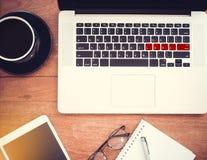 Concept d'amour : mot AMOUR sur le clavier, configuration plate image libre de droits