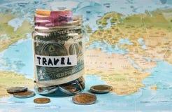 Concept d'argent de l'épargne de voyage Images libres de droits