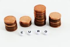 Concept d'argent, pièces de monnaie bouleversées Photos libres de droits