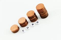 Concept d'argent, pièces de monnaie bouleversées Image libre de droits