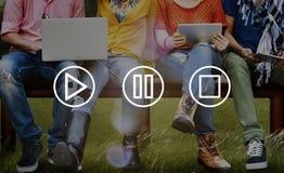 Concept d'arrêt de pause de jeu de multimédia de boutons photo libre de droits