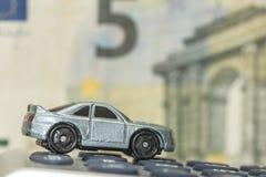 Concept d'assurance auto, de dépenses ou de coûts Photographie stock libre de droits