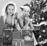 Concept d'enfance et de bonheur Enfants avec les visages de sourire photos libres de droits