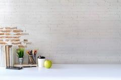Concept d'espace de travail : bureau créatif de lieu de travail Images libres de droits