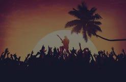 Concept d'excitation d'interprète de partie de plage de festival de musique d'été images stock