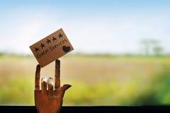 Concept d'expérience de client Client heureux laissant une note pour le Rev Images libres de droits
