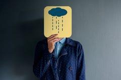 Concept d'expérience de client, portrait de client avec des honoraires de tristesse photo stock