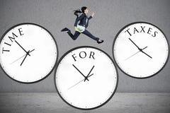 Concept d'heure pour des impôts Photo stock