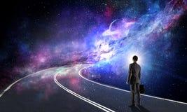 Concept d'homme d'affaires et de cosmos photos stock