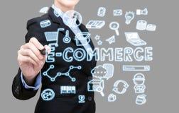 Concept d'idée de commerce électronique d'écriture de femme d'affaires Image stock