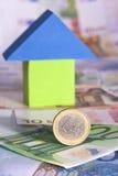 Concept d'immeubles avec d'euro billets de banque Photo stock