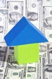 Concept d'immeubles avec des billets d'un dollar Images stock