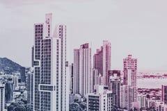 Concept d'immobiliers, horizon moderne de ville et antenne de paysage urbain de bâtiment de gratte-ciel - illustration stock
