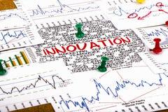 Concept d'Innocation avec les graphiques et les diagrammes financiers Images stock