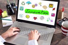 Concept d'innovation sur un écran d'ordinateur portable photo stock