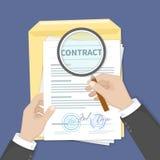 Concept d'inspection de contrat Mains tenant la loupe au-dessus d'un contrat Contrat avec des signatures et des joints Document d illustration stock