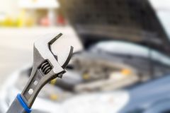 Concept d'inspection de réparation, d'entretien et de véhicule de voiture photographie stock libre de droits