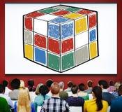 Concept d'intelligence de forme de cube en jeu de cube en puzzle Photographie stock libre de droits