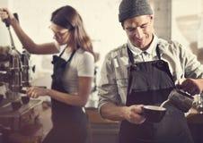 Concept d'ordre de Prepare Coffee Working de barman Photographie stock