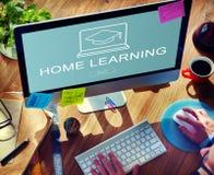 Concept de étude à la maison de bouton de s'inscrire de page Web Photos stock
