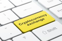 Concept de Blockchain : Échange de Cryptocurrency sur le fond de clavier d'ordinateur Images libres de droits