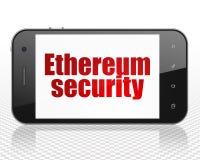 Concept de Blockchain : Smartphone avec la sécurité d'Ethereum sur l'affichage Photographie stock libre de droits