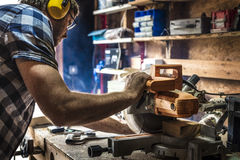 Concept de boisage de Craftman Lumber Timber de charpentier photo libre de droits