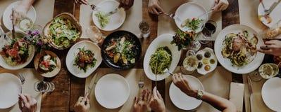 Concept de bonheur de cuisine de nourriture d'amitié de personnes Photo stock