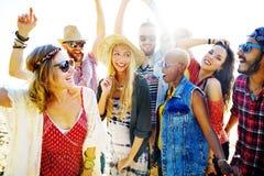 Concept de bonheur de partie de plage d'amis d'adolescents Photographie stock libre de droits