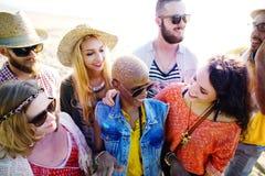 Concept de bonheur de plage d'été de relaxation de liaison d'amitié Photos libres de droits