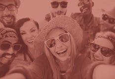 Concept de bonheur de plage d'été de relaxation de Selfie d'amitié Images libres de droits