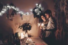 Concept de bonne année et de Joyeux Noël hipste élégant heureux Images libres de droits