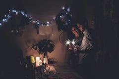 Concept de bonne année et de Joyeux Noël hipste élégant heureux Photographie stock libre de droits