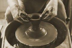 Concept de boue de Person Creation Pottery Handcraft Art photos stock