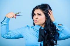 Concept de boutique de beauté Brucelles de prise de visage de maquillage de fille pour l'extension de cil Volume faux de mèches d photo libre de droits