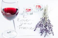 Concept de brief van de de Dagliefde van Valentine ` s op witte achtergrond royalty-vrije stock fotografie